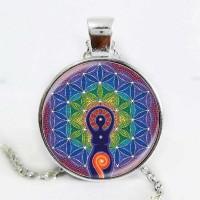 Мандала Цветето на живота и енергизираща фигура, ръчно изработен медальон