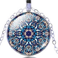 Мандала Изобилие и богатство – ръчно изработен медальон с  мандала